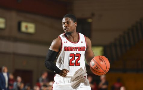 Men's basketball comes away with a win against UMASS