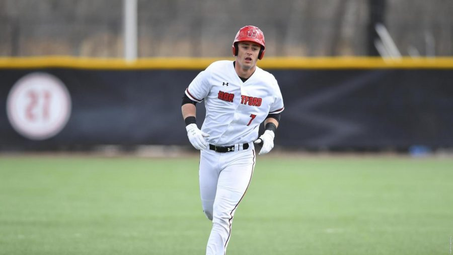Baseball+goes+2-1+in+their+outing+against+Stony+Brook