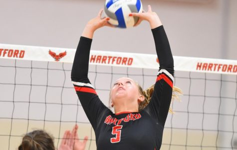 Women's volleyball loses to UAlbany